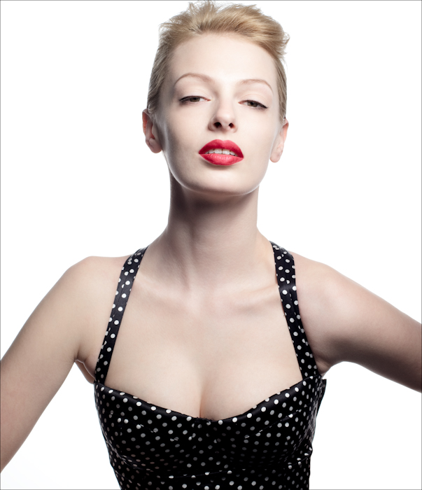 model polka dot pin up red lips modern vintage makeup
