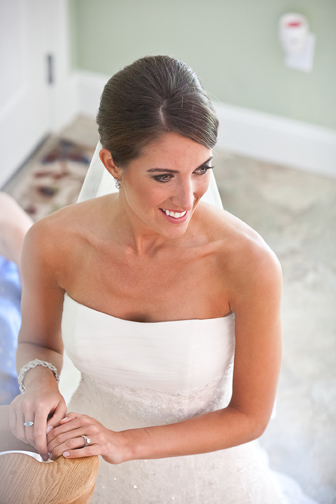 Elegant bride with smoky eye makeup